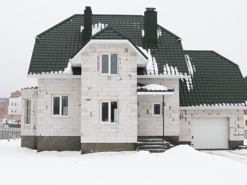 dom iz gazobetona 1 Кирпич, газобетон или дерево как выбрать качественный материал для строительства дома