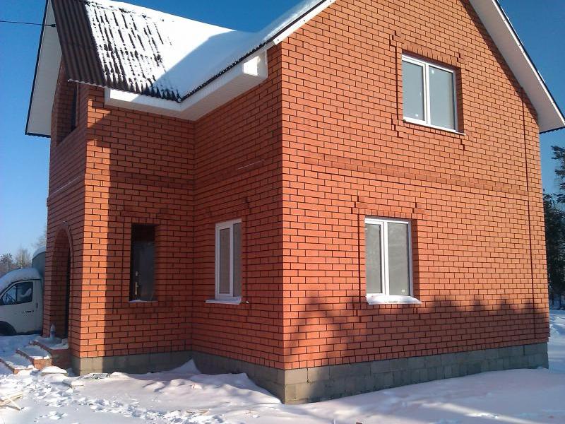 dom iz kirpicha 1 Кирпич, газобетон или дерево как выбрать качественный материал для строительства дома